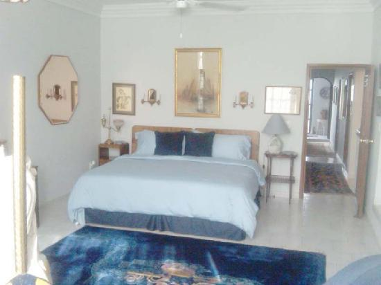 Orchid House Bed & Breakfast: The largest of the bedrooms