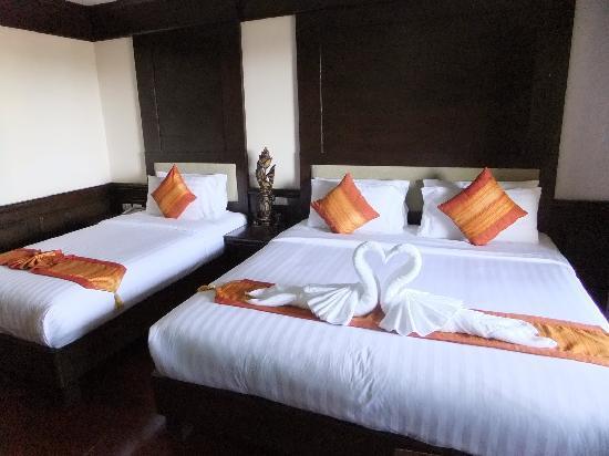 Aonang Orchid Resort: 1 twin & 1 king