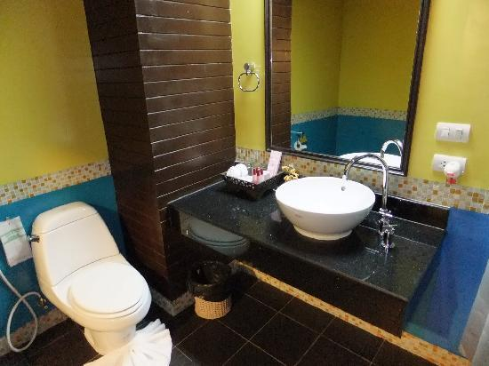 Aonang Orchid Resort: Bathroom