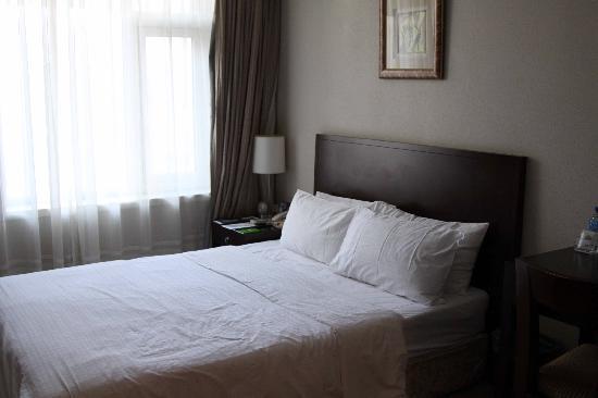 Days Inn Forbidden City Beijing: Une chambre à l'étage, avec fenêtre donc