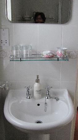 St. Jude's Bed and Breakfast: bathroom