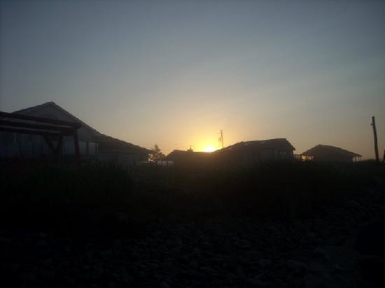 Moonlight Beach Suites: Beautiful sunrise