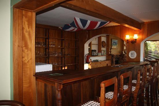 Lakeside Lodge & Spa: Bar