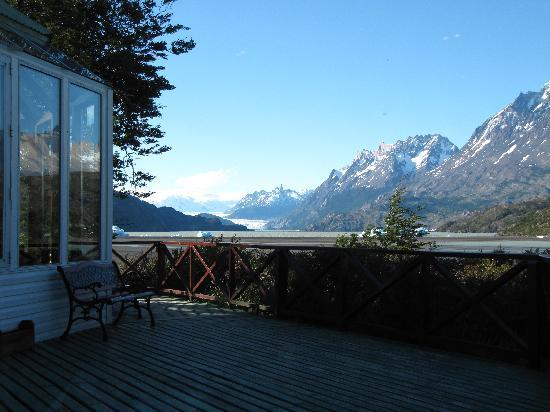 Lago Grey Hosteria and Navegacion: View from hotel bar on lake and restaurant (left)