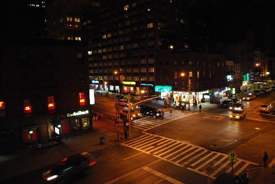 Chelsea Savoy Hotel: view from our room W 23rd/7th Ave