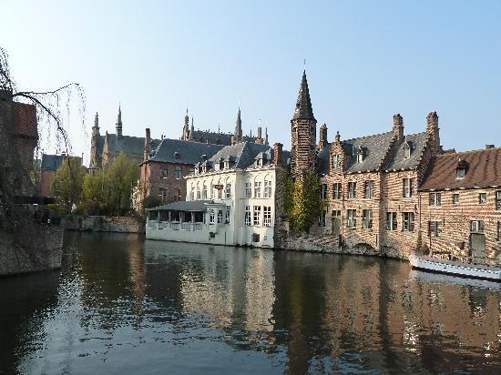 Absoluut Verhulst: Brugge canal