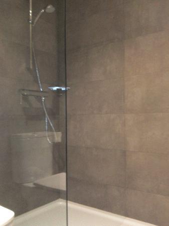 AC Hotel Sevilla Torneo: Ducha baño