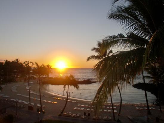 Fairmont Orchid, Hawaii : ラナイから見るサンセット 溜息ものです