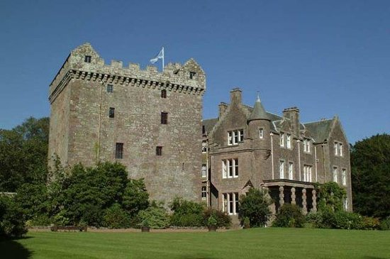 Comlongon castle hotel updated 2018 prices reviews for Stay in a haunted castle in scotland