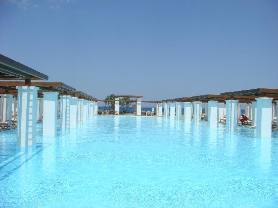 Amirandes, Grecotel Exclusive Resort: Huge pool