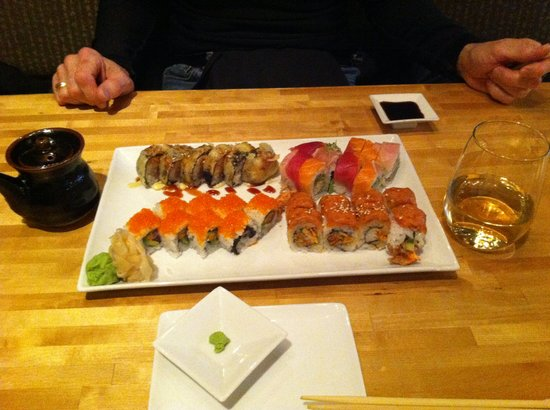Yuki Arashi: 4 Rolls of Sushi & 1 Glass of Wine. Just OK