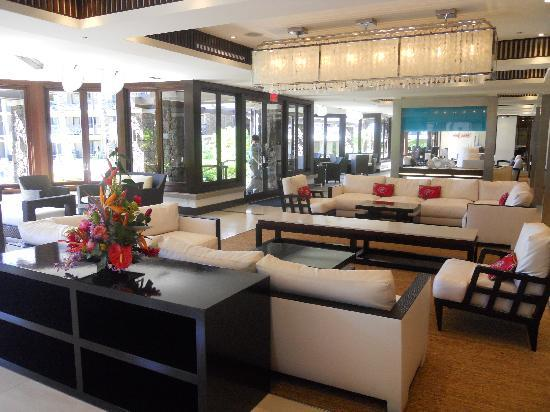 Modern chic lobby picture of koa kea hotel resort for Chic modern boutique