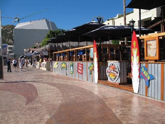 Cabo San Lucas, Mexiko: Cafes & bars as far as you can see in Cabo's marina area