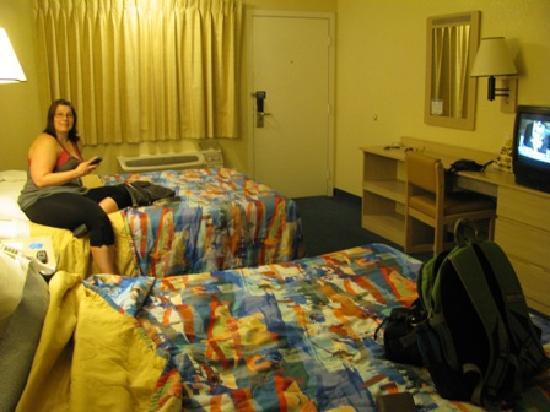 Motel 6 Twentynine Palms: Our room