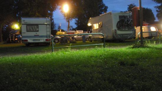 City Camp Frankfurt: The camp by night