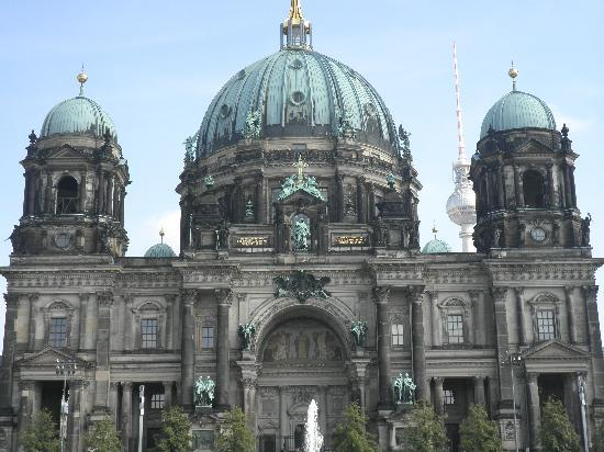 Front of Berlin Cathedral standing by the foundtain