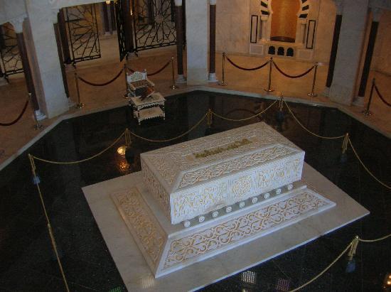 Monastir, Tunisia: tombeau habib bourguiba