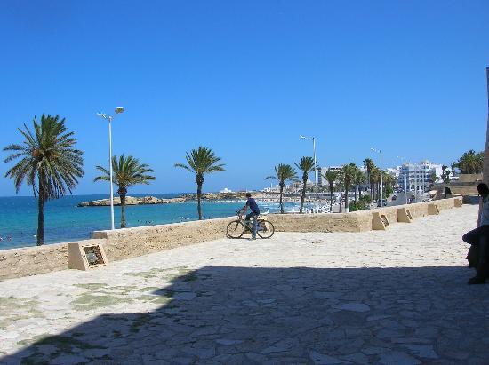 Monastir, Tunisie : arrière château côté mer