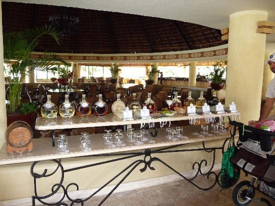 Grand Bahia Principe Tulum: Tequila station