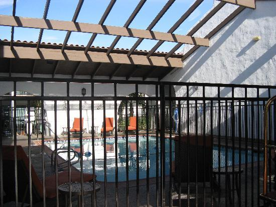 Holiday Inn Express San Clemente North: The pool