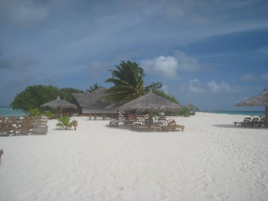 Palm Beach Resort & Spa Maldives: Beach Bar