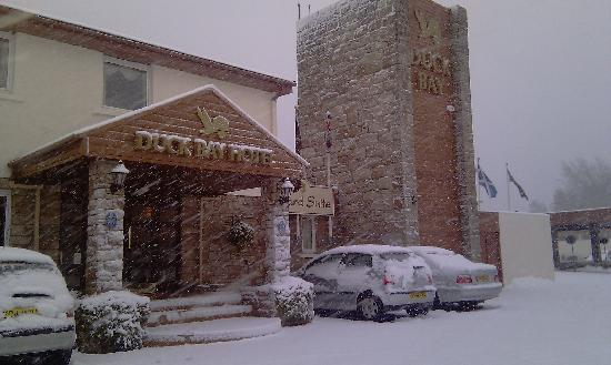 Alexandria, UK: Snow at Duck Bay Marina