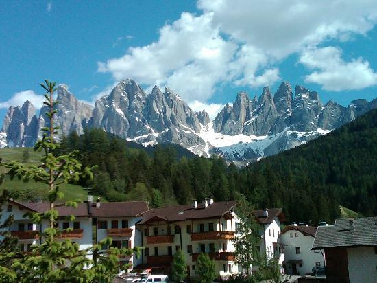 Funes, Italien: View from hotel room window