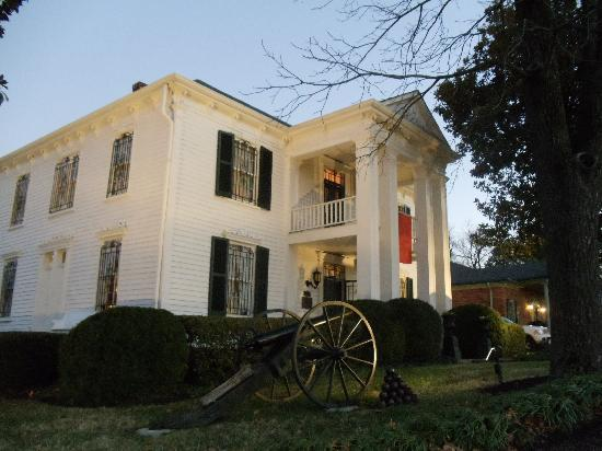 Franklin, TN: Lotz House at dusk