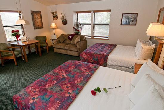 Wildwood Inn: Spacious Sunbeam rooms