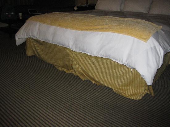 Nashua, Nueva Hampshire: Bedskirt
