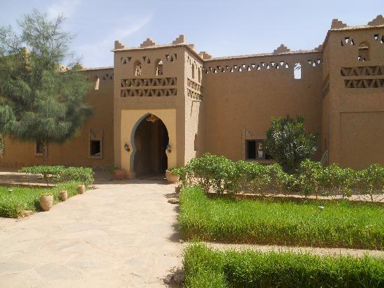 Auberge Camping Sahara: L'ingresso dell'albergo