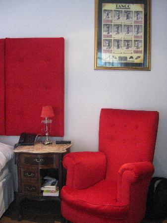 Rendez Vous Hotel Buenos Aires: The deluxe red room