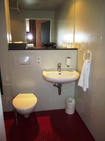 Mauritius Hotel & Therme : Bathroom