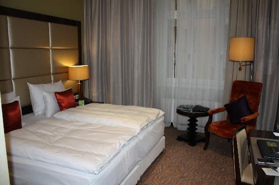Hotel Kings Court: Vue de la chambre double