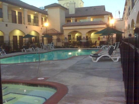 Ayres Hotel Redlands Beautiful Pool And Spa In Courtyard
