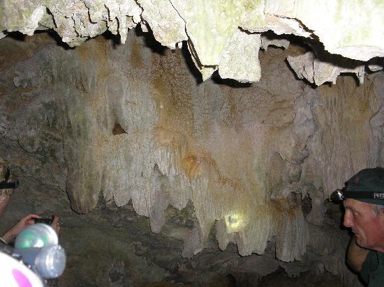 Anatakitaki Cave (Kopeka Cave): In the cave