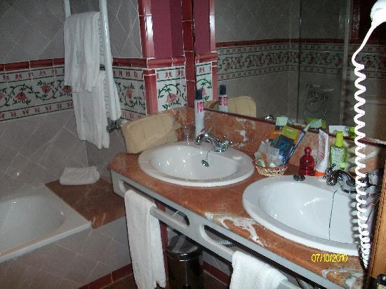 Agora Juan de Austria: baño2