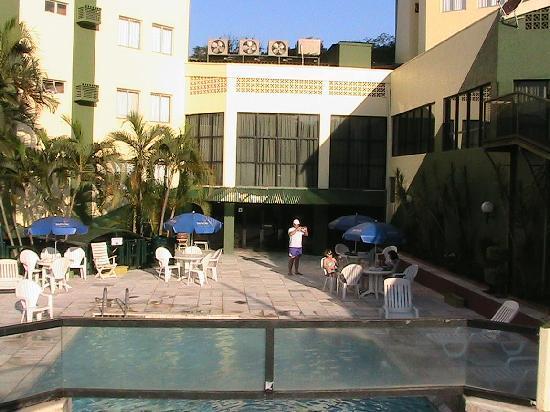 Turrance Green Hotel: Piscina