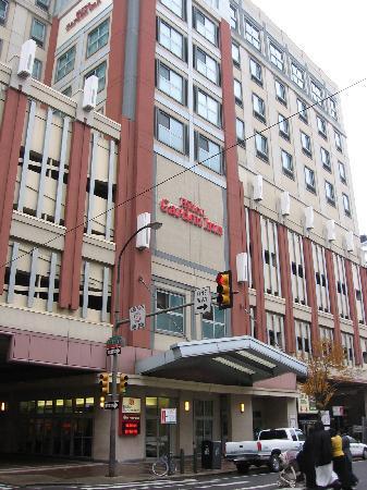 Hilton Garden Inn Philadelphia Center City: Hotel Entrance