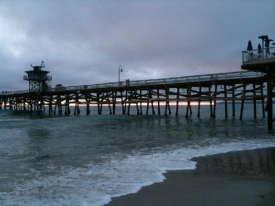 Casa Tropicana: Sunset Hidden by the Clouds at SC Pier