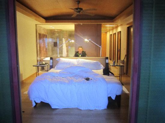 Centara Grand Beach Resort Phuket : Premium Deluxe ocean facing room
