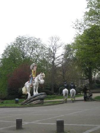 ชาร์เลอรัว, เบลเยียม: Charleroi