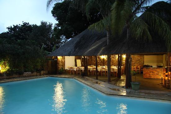 St. Lucia Safari Lodge: Pool and Breakfast Lapa