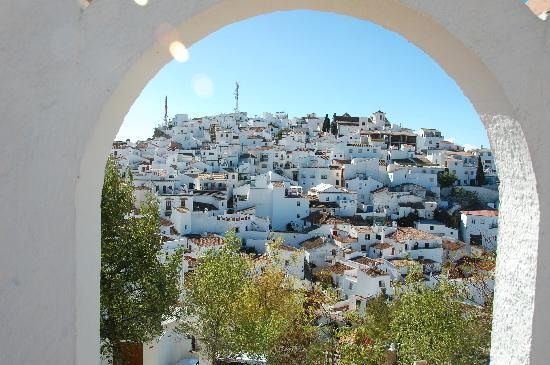 view on Comares