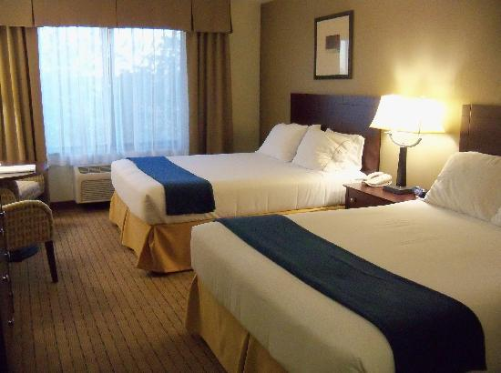 Holiday Inn Express Hotel & Suites Vancouver Portland North: Zimmer mit zwei Queen-Betten
