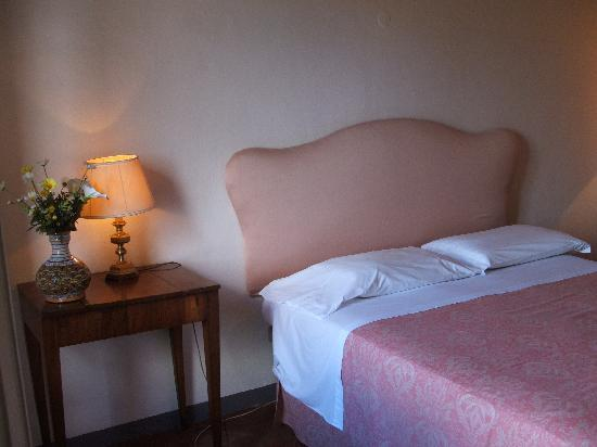 San Rocco a Pilli, Italien: A bedroom