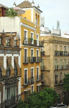 Sevilla Inn Backpackers: La vista dalla stanza