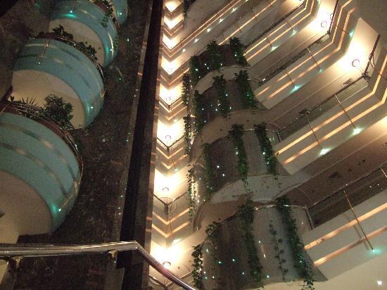 Sea View Hotel: ロビーからの眺め