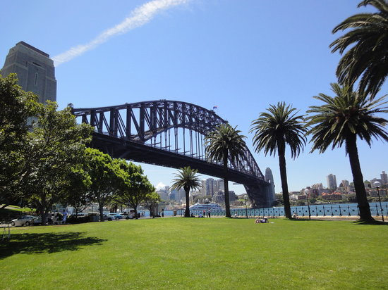 I'm Free Walking Tours: The Bridge