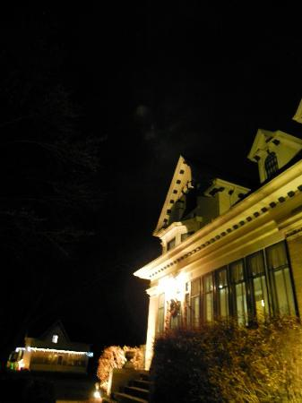 Horicon, WI: The B & B at night